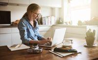 Hogyan kezelhető az otthoni iroda és a családgondozás