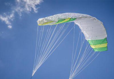 Repülő sárkány 200 x 70 cm-es zöld - fehér