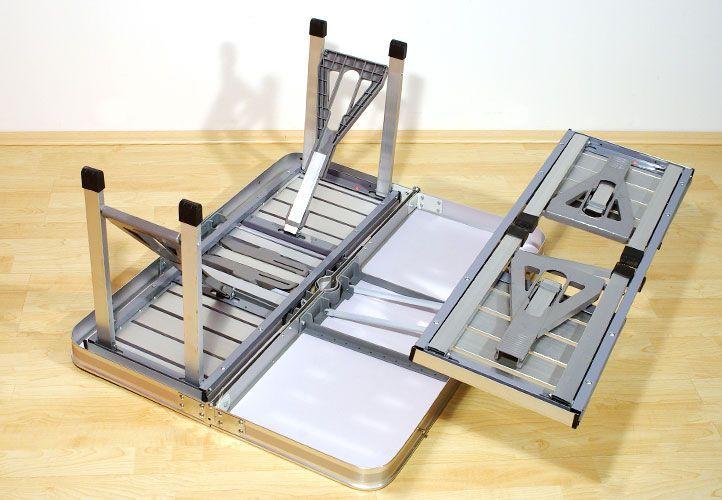 alumínium asztal beépített paddal.