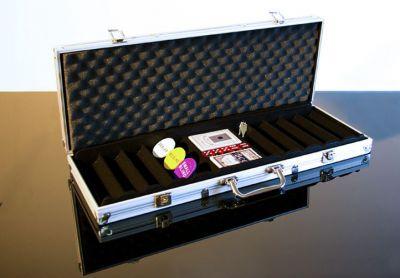 Alu bőrönd 500 db pókerzsetonhoz + tartozékok
