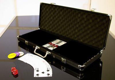 Alumínium bőrönd 500 pókerzsetonhoz + kiegészítők