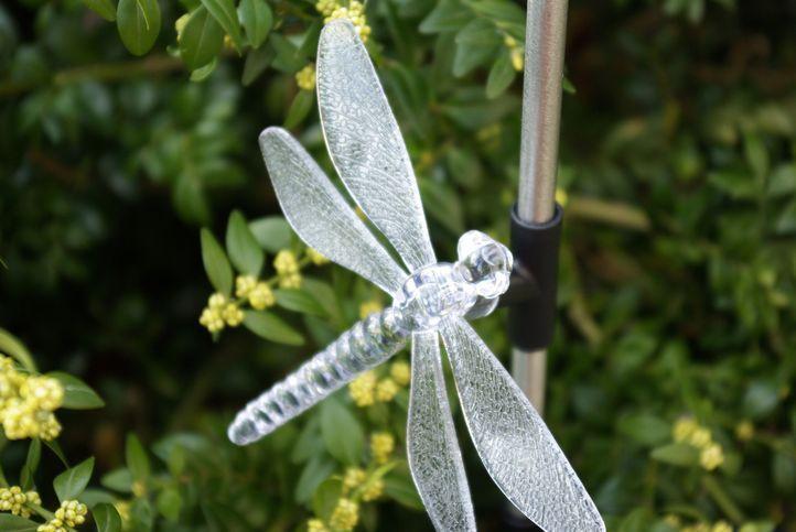 Kerti szoláris LED lámpa Garth – kolibri, pillangó, szitakötő